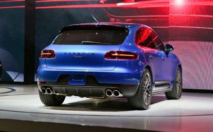 2015 Porsche Macan Rear Right