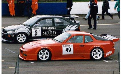 Porsche-944-racing-3