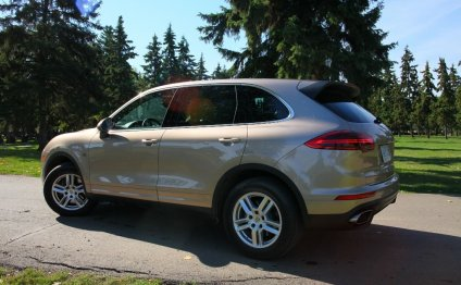 Porsche Cayenne gets minor