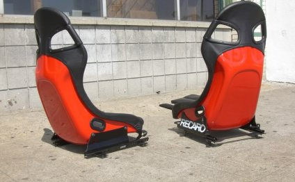 1800 firm/Both, new GT3 seats