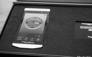 BlackBerry P9982 Porsche Design