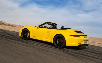 Porsche Carrera GTS Review